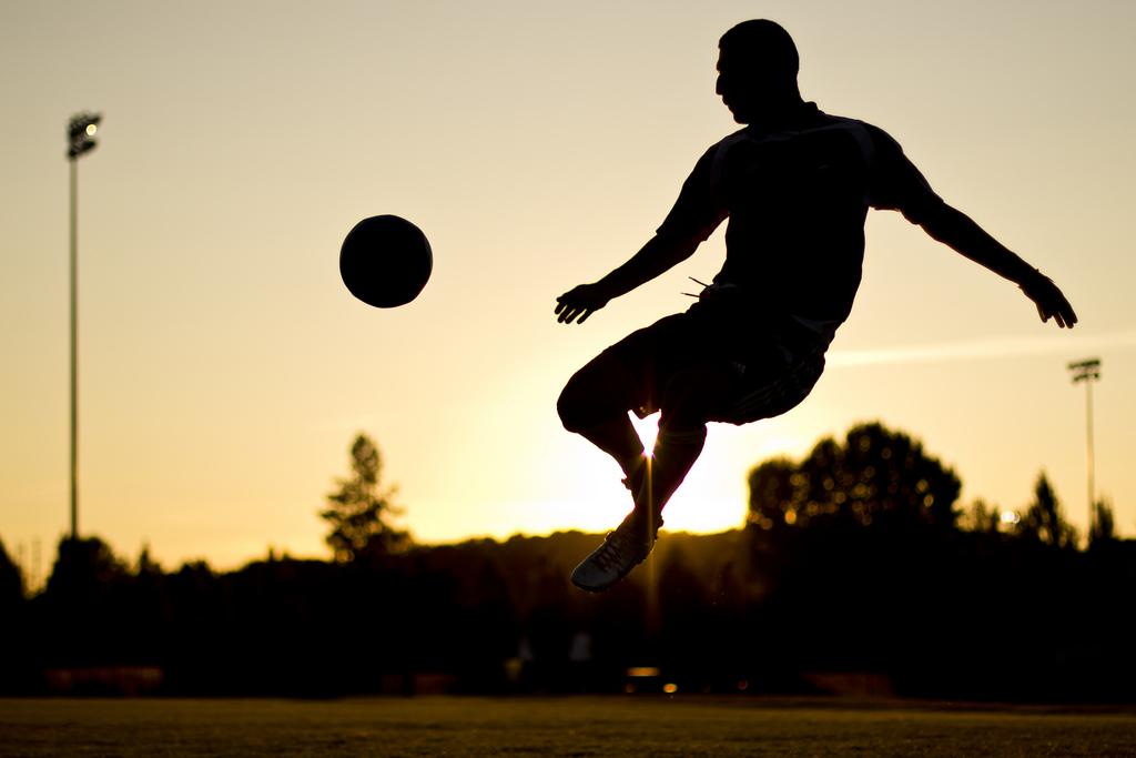 soccer siloette