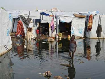 msf_flooded_camp_tents_child