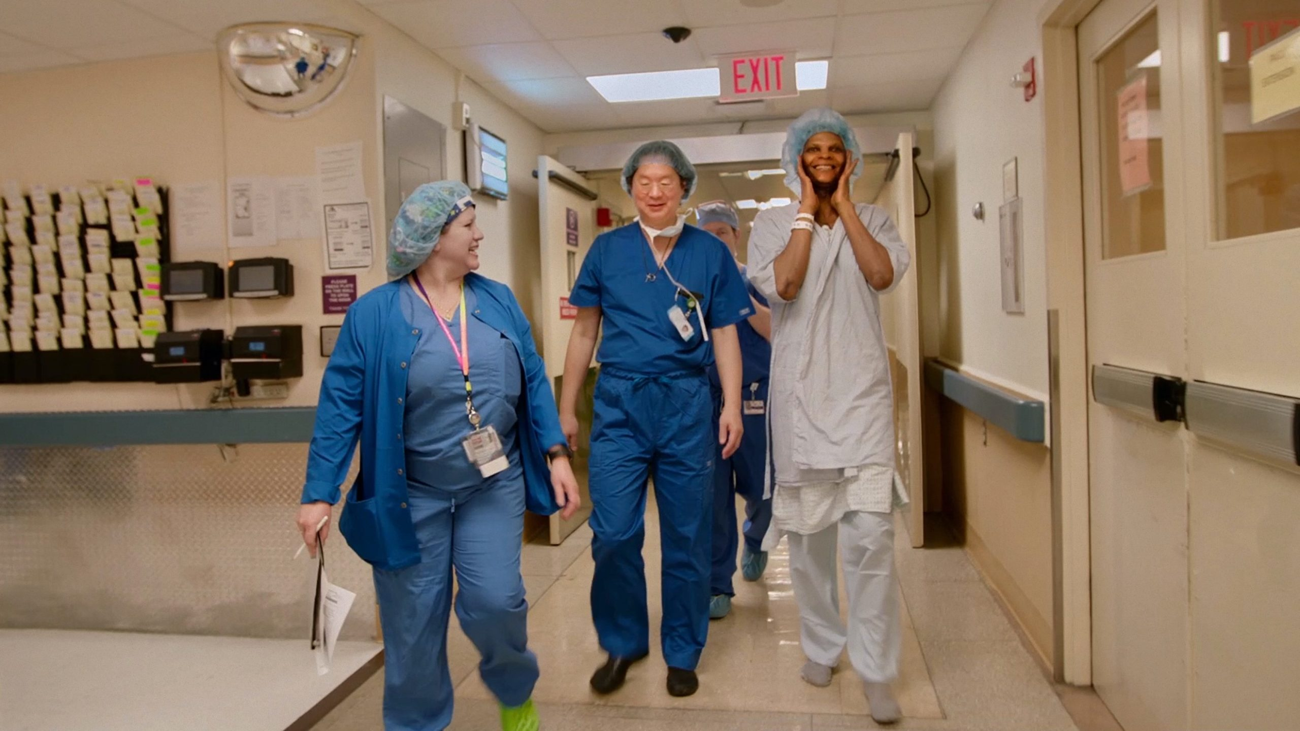 Dr. Jess Ting and Mahogany headed to the operating room for Mahogany's facial feminization procedure.