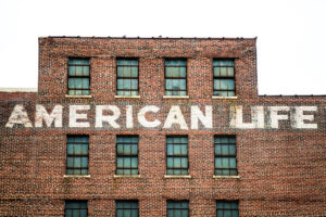 """""""American Life"""" by Thomas Hawk is licensed under CC BY-NC 2.0"""